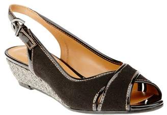 Trotters Women's Calle Wedge Pump