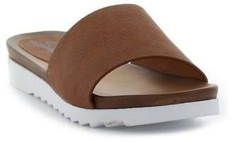 Seven7 Pearl Superflex Fashion Slide Sandal