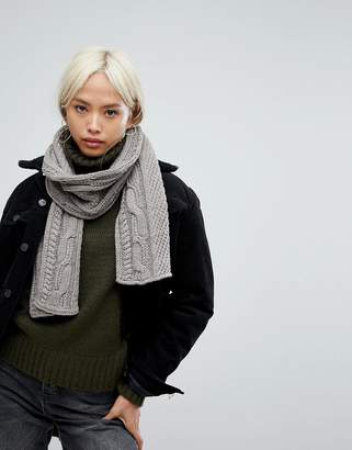 Alice Hannah Chunky Cable Knit Scarf