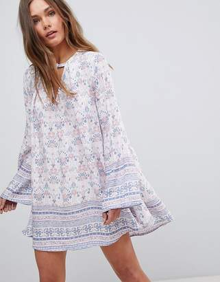En Creme En Crme Long Sleeve Floral Dress With Front Keyhole