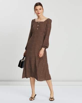 Mng Peca Dress