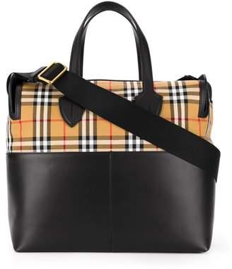 c16b96f70f Burberry vintage check shoulder bag