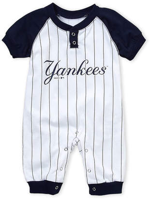 Majestic Newborn Boys) Yankees Coverall
