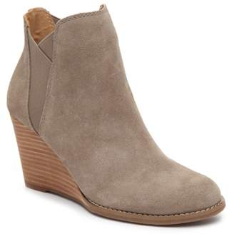 Lucky Brand Youse Wedge Chelsea Boot