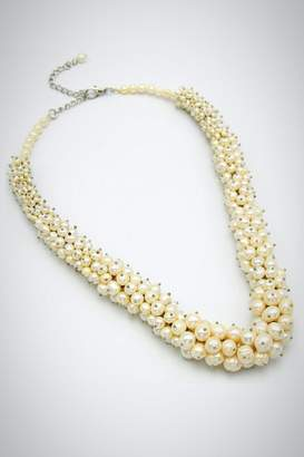 Embellish Pearl Beauty Necklace
