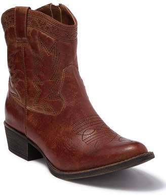 Coconuts by Matisse Pistol Cowboy Boot