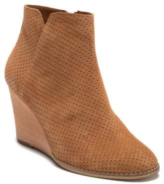 Susina Hannon Leather Wedge Bootie