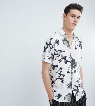 Selected TALL Short Sleeve Viscose Shirt With All Over Print