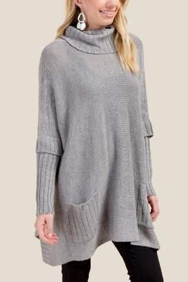 francesca's Regina Long Sleeve Cowl Poncho - Gray
