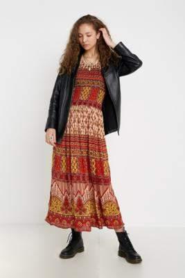 28b8bae81 Urban Renewal Vintage Geo Print Crinkle Maxi Dress