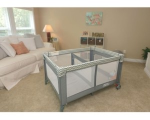 Cappybug Llc/Romp & Roost Romp and Roost Luxe Play Yard