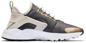 Nike Huarache Run Ultra SE Sneakers