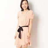 ドレープスリーブ2WAYドレス/レッセパッセ 甘いムードただようフェミニンなワンピース。 ベルトや袖を取り外せるから着こなしアレンジも楽しめます。