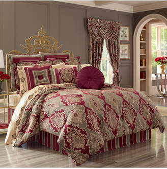 J Queen New York J. Queen Crimson Full Comforter Set