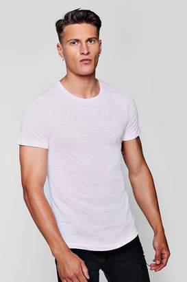 boohoo Muscle Fit Curved Hem MAN Signature T-Shirt