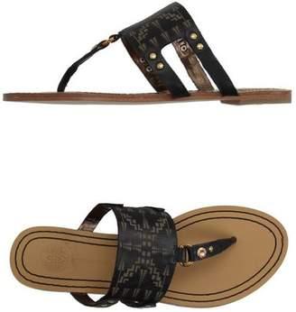 Cynthia Vincent Toe post sandal