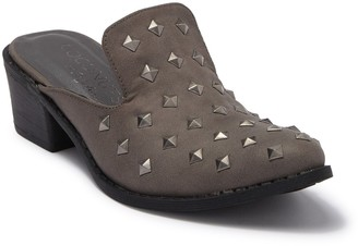 Coconuts by Matisse Rift Studded Mule