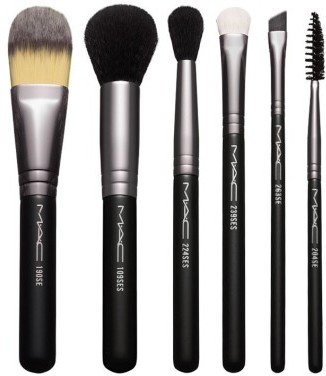 MAC Look In A Box Basic Brush Kit $49.50 thestylecure.com