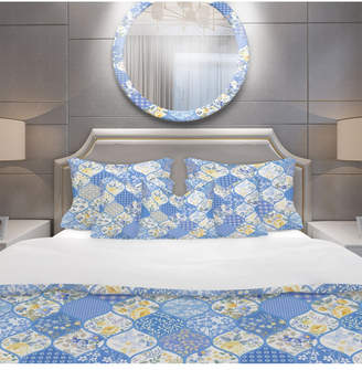 Design Art Designart 'Patchwork Pattern With Flowers and Butterflies' Patterned Duvet Cover Set - Twin Bedding