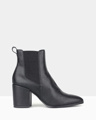 betts Coyote Chelsea Boots