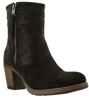 Taos Shaka 2 Embossed Faux Fur Lined Bootie