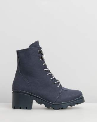 Missguided Canvas Hiking Boots