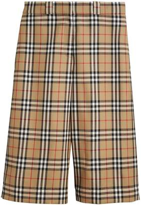 Burberry vintage check tailored shorts