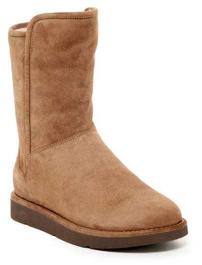 UGGUGG Australia Abree Genuine Lamb Fur Short Zip Boot