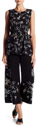 Vince Camuto Wide Leg Cropped Floral Pants