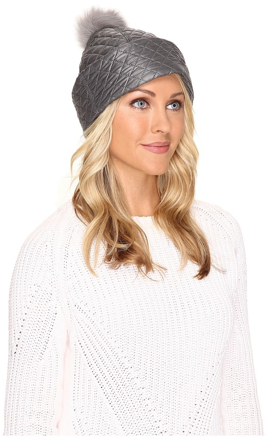 UGGUGG Quilted Fabric Hat w/ Pom