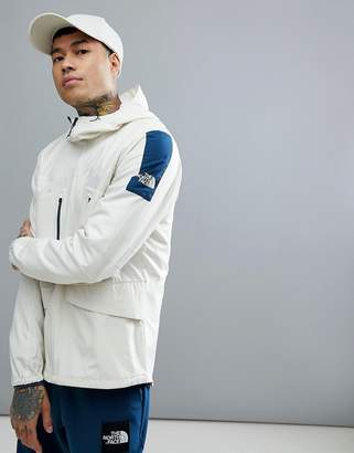 The North Face Fantasy Ridge Light Jacket Hooded In Vintage White