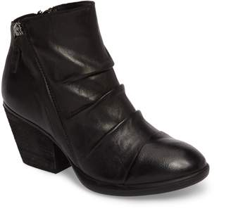 Sofft Gable Bootie