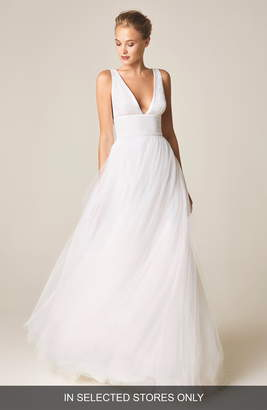 b9a1e88afe Jesús Peiró V-Neck Wedding Dress with Tulle Skirt