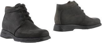 SAMSONITE FOOTWEAR Ankle boots $97 thestylecure.com