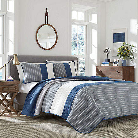 Swale Navy King Quilt