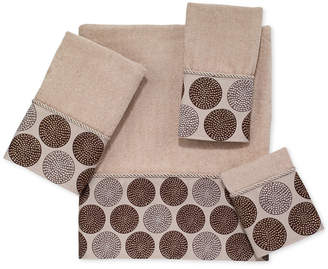 Avanti Dotted Circles Fingertip Towel Bedding