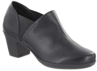 MIA AMORE Kendraa Vegan Leather Ankle Boot