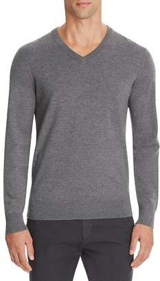 Theory Riland New Sovereign Slim Fit V-Neck Sweater $180 thestylecure.com