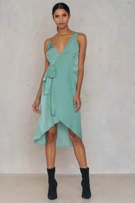 Na Kd Trend Asymmetric Wrap Dress