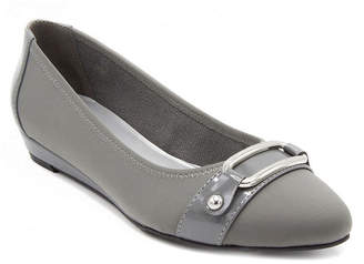 London Fog TOWNE BY Towne By Womens Charlotte Pumps Pull-on Pointed Toe Wedge Heel