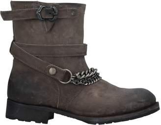 Pan E Tulipani Ankle boots