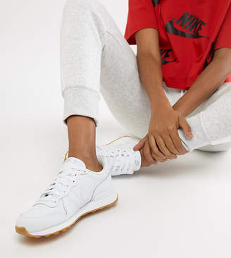 Nike Internationalist Trainers In White
