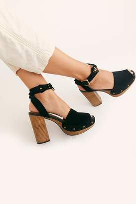 Fp Collection Justine Platform Sandal