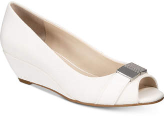Alfani Women's Step 'N Flex Chorde Wedge Pumps, Created for Macy's