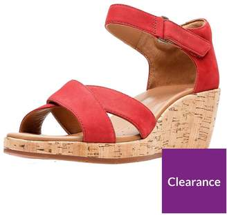Clarks Un Plaza Cross Strap Wedge Sandal - Red