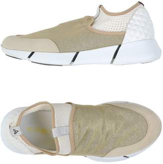 Elena Iachi Low-tops & sneakers - Item 11125949JI