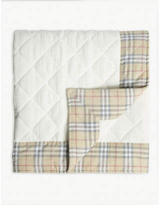 Burberry Vintage check quilted blanket