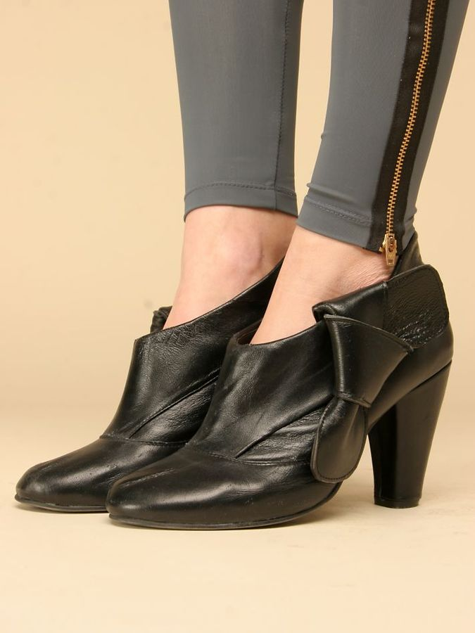Gate Ankle Boot