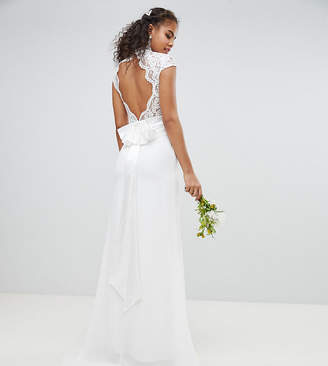 TFNC Tall Tall Bridal Maxi Bridal Dress With Scalloped Lace and Open Back