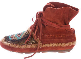 House of Harlow 1960 Madison Suede Moccasins $125 thestylecure.com